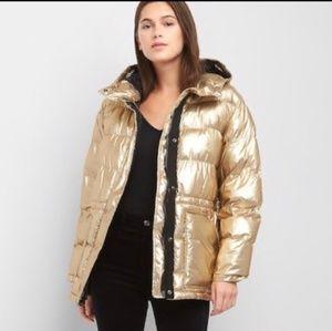 GAP Gold Cozy Puffer Coat Down Alternative EUC
